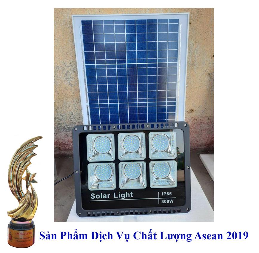 Đèn 300W năng lượng mặt trời giá rẻ, chống nước IP66